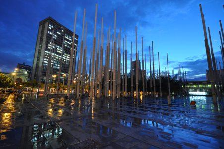 Plaza_de_Cisneros_Medellin_Colombia