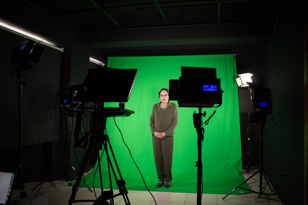 Visit to the MOOCs recording studio of UPANA Virtual